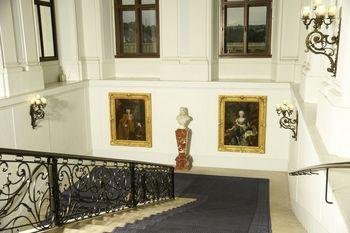 Schonbrunn Palace, Blue staircase.jpg