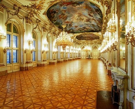 Schonbrunn Palace, Grose Galerie.jpg