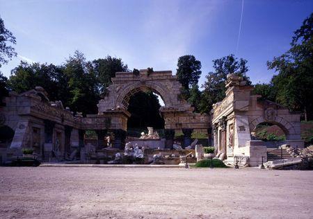 Schonbrunn Palace, Roman ruin.jpg
