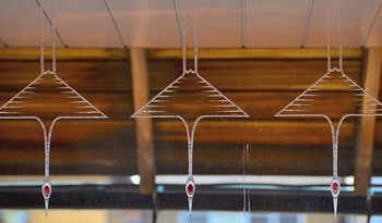 hm glass crane.jpg
