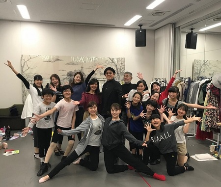 merry artists company 2.jpg